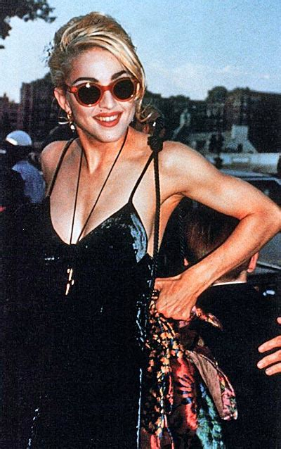 Madonna Superstar Queen Photogallery: Premiere of Dick Tracy