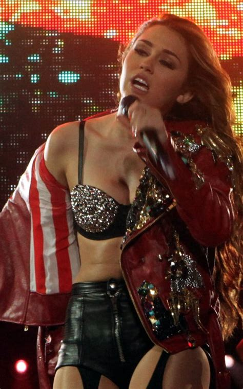 Miley Cyrus – Sexy Stage Outfits   Nisney Blog