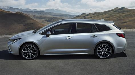 2019 Toyota Corolla Touring Sports Hybrid - Wallpapers and